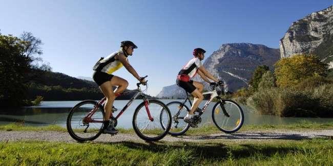 Q&A! La activități sportive poate fi inclus şi mersul pe bicicletă?