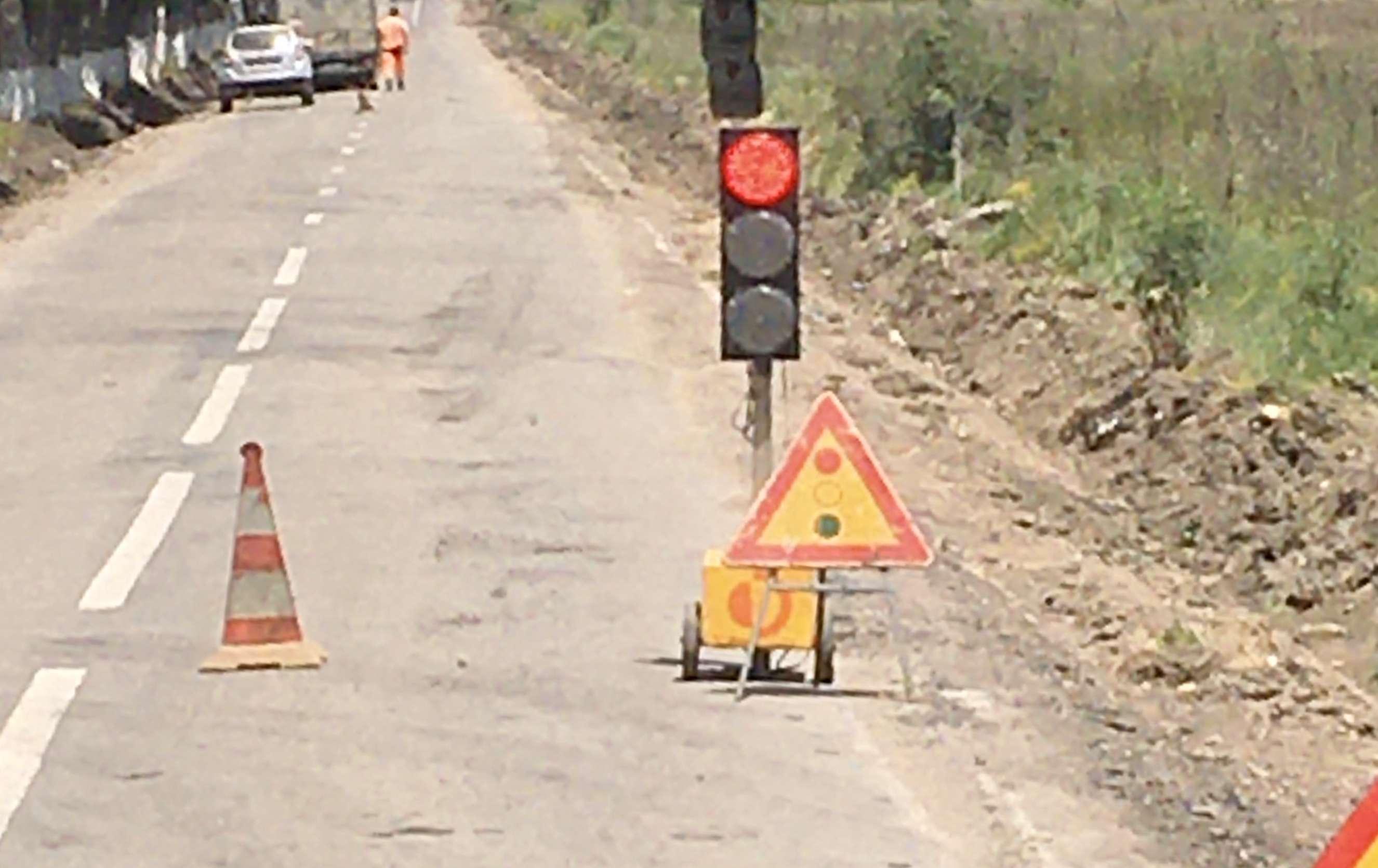 Atenție șoferi! Restricții de circulație pe DJ721, la ieșirea din Produlești