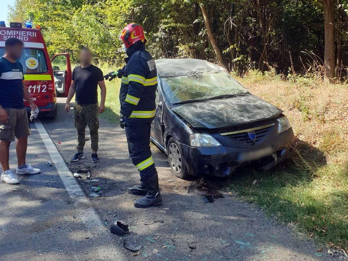 Accident violent la Priseaca! Două persoane au fost rănite!