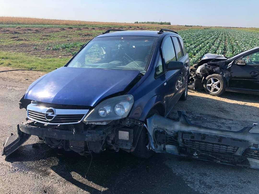 Accident pe Drumul Național 7, la Bâldana! Două persoane au fost rănite!