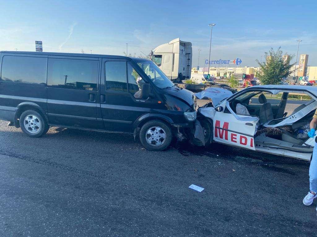 Accident grav pe Drumul Național 1! Mai multe persoane au fost rănite!