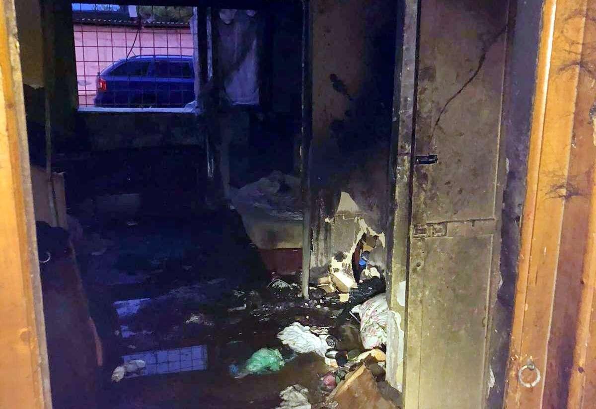Incendiu la o garsonieră din municipiul Târgoviște