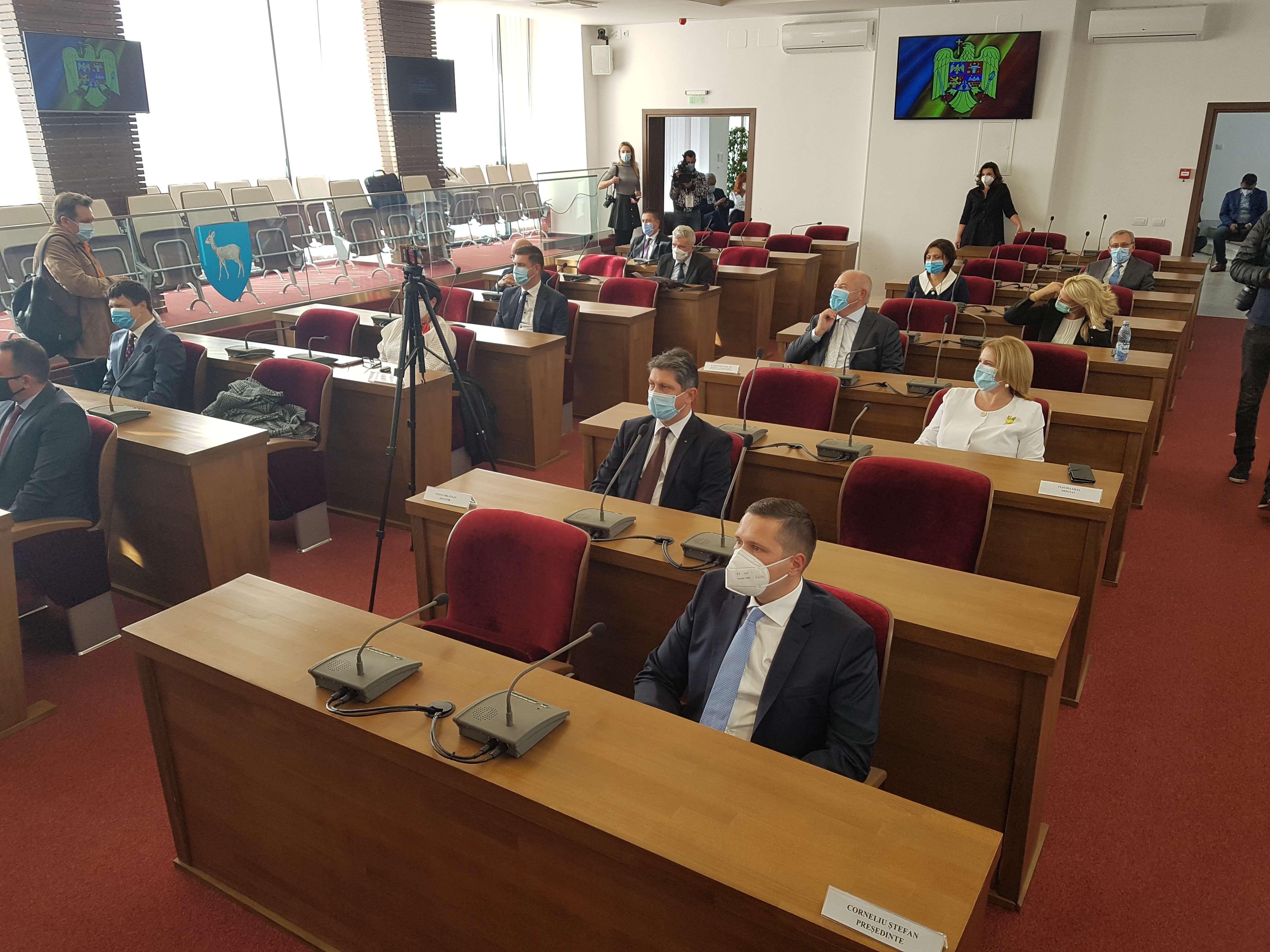 Astăzi a avut loc ceremonia de constituire a Consiliului Județean Dâmbovița! Vezi componenţa noului Consiliu!