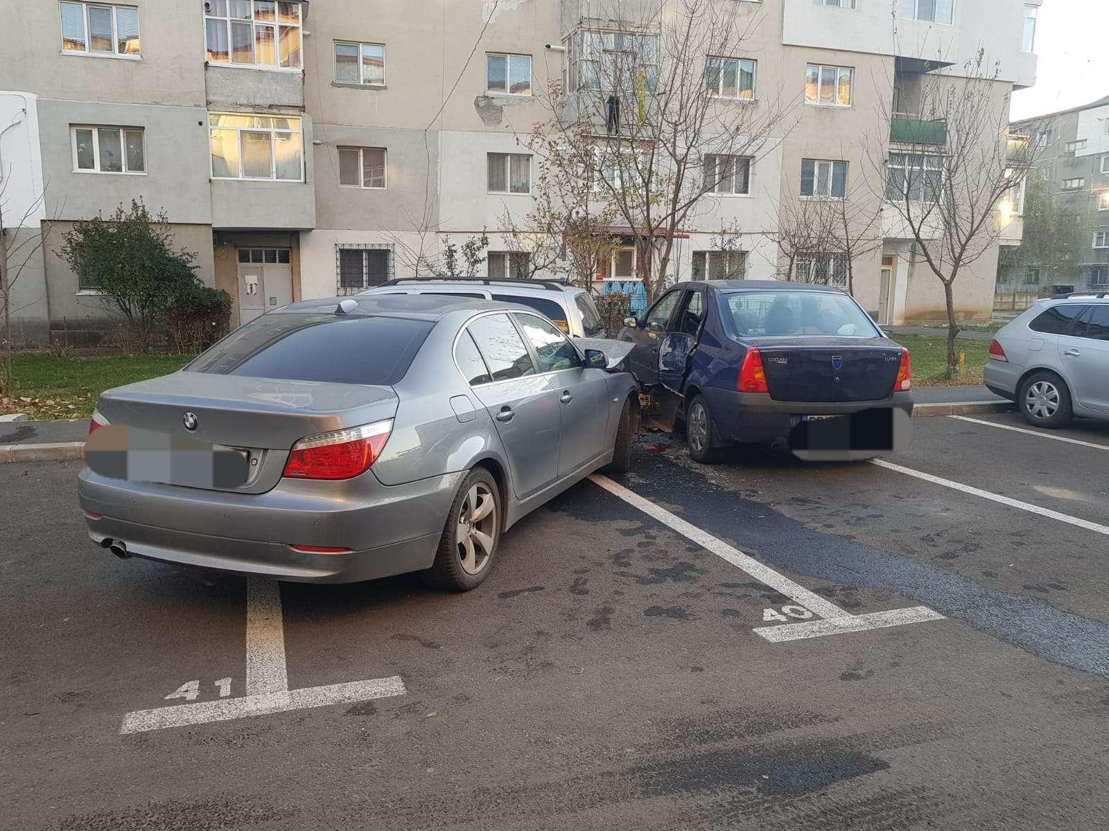 PUCIOASA Un șofer băut a lovit trei autoturisme parcate în cartierul Filatura
