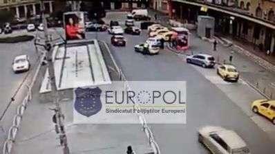 Un individ a lovit intenționat un polițist cu mașina după ce l-a atenționat să se puna în mișcare!