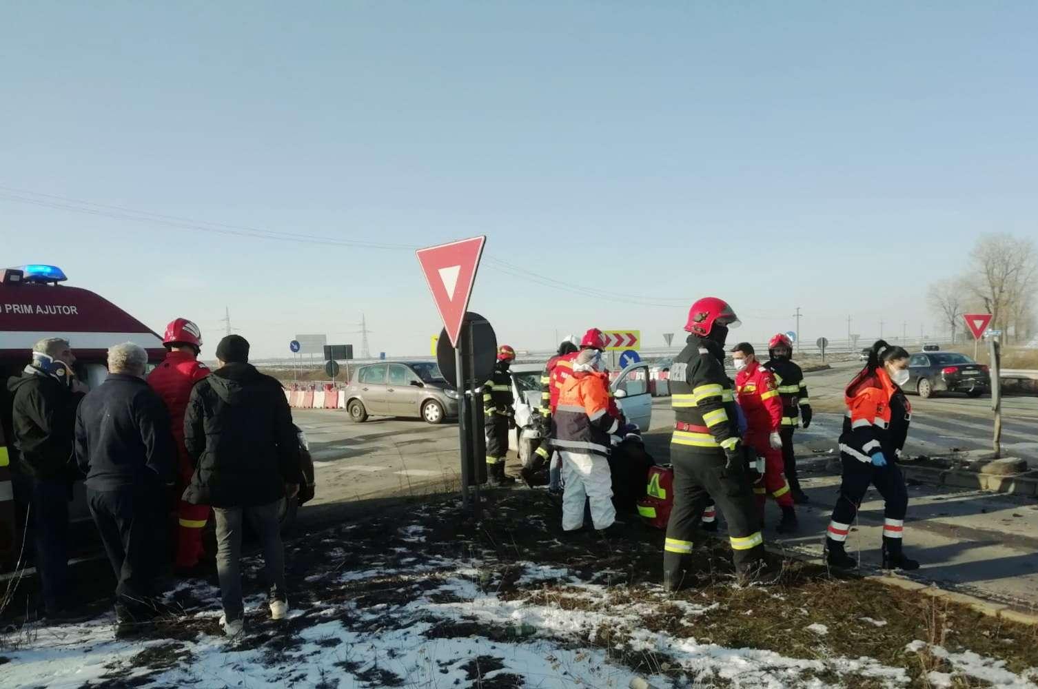 TELEORMAN Accident violent pe centura Alexandrei! Trei persoane au fost rănite!