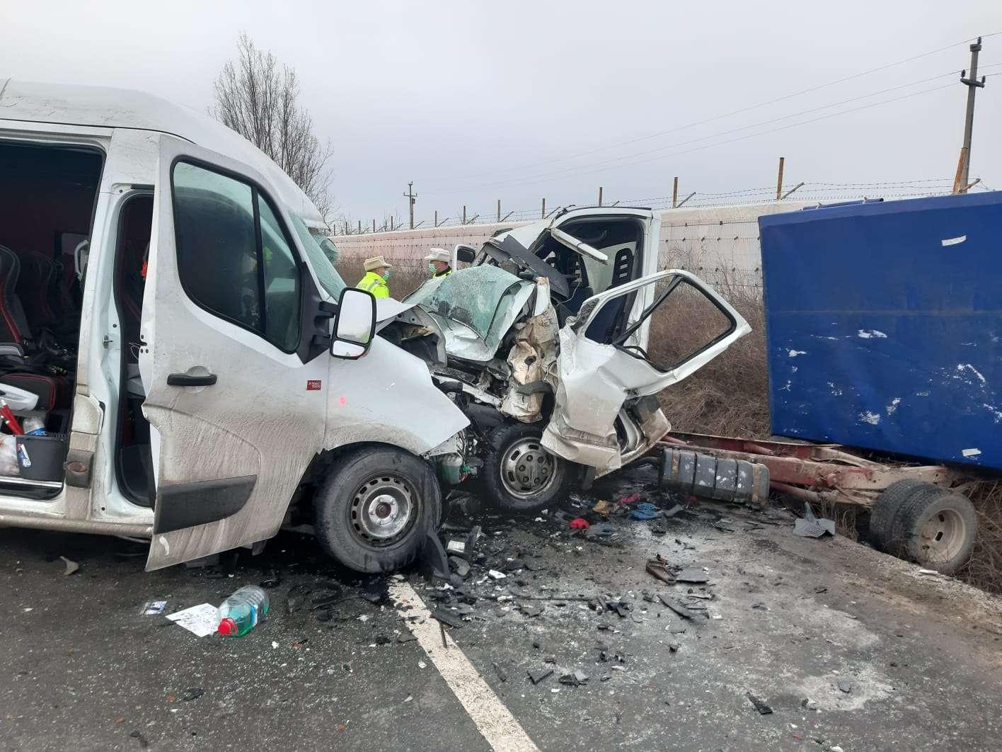 Accident TERIBIL pe Drumul Național 2E85! O persoană a MURIT iar alte trei au fost rănite!