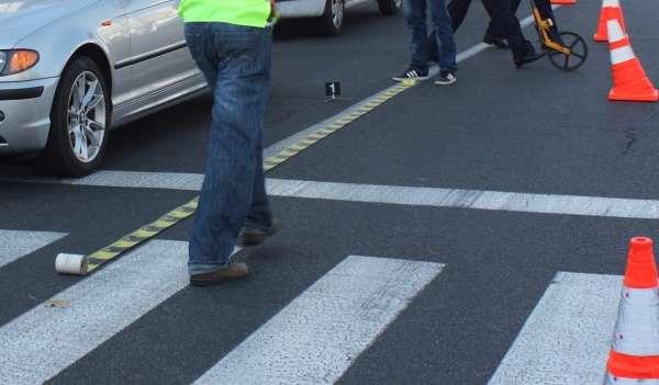 Un barbat de 67 de ani a fost luat in plin de un autoturism in zona marcajului pietonal
