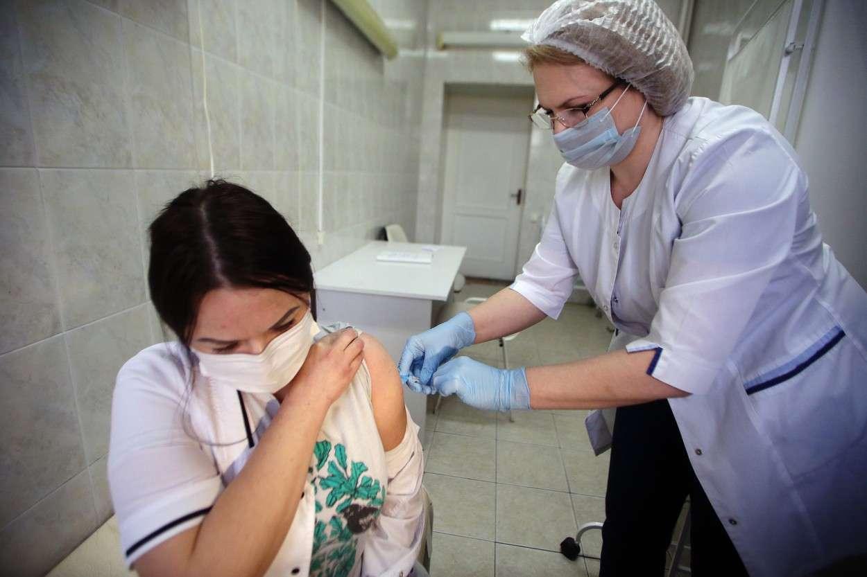 Până la data de 12 aprilie, din totalul personalului medico-social s-au vaccinat 291.812 persoane cu doza I și 261.435 cu doza II