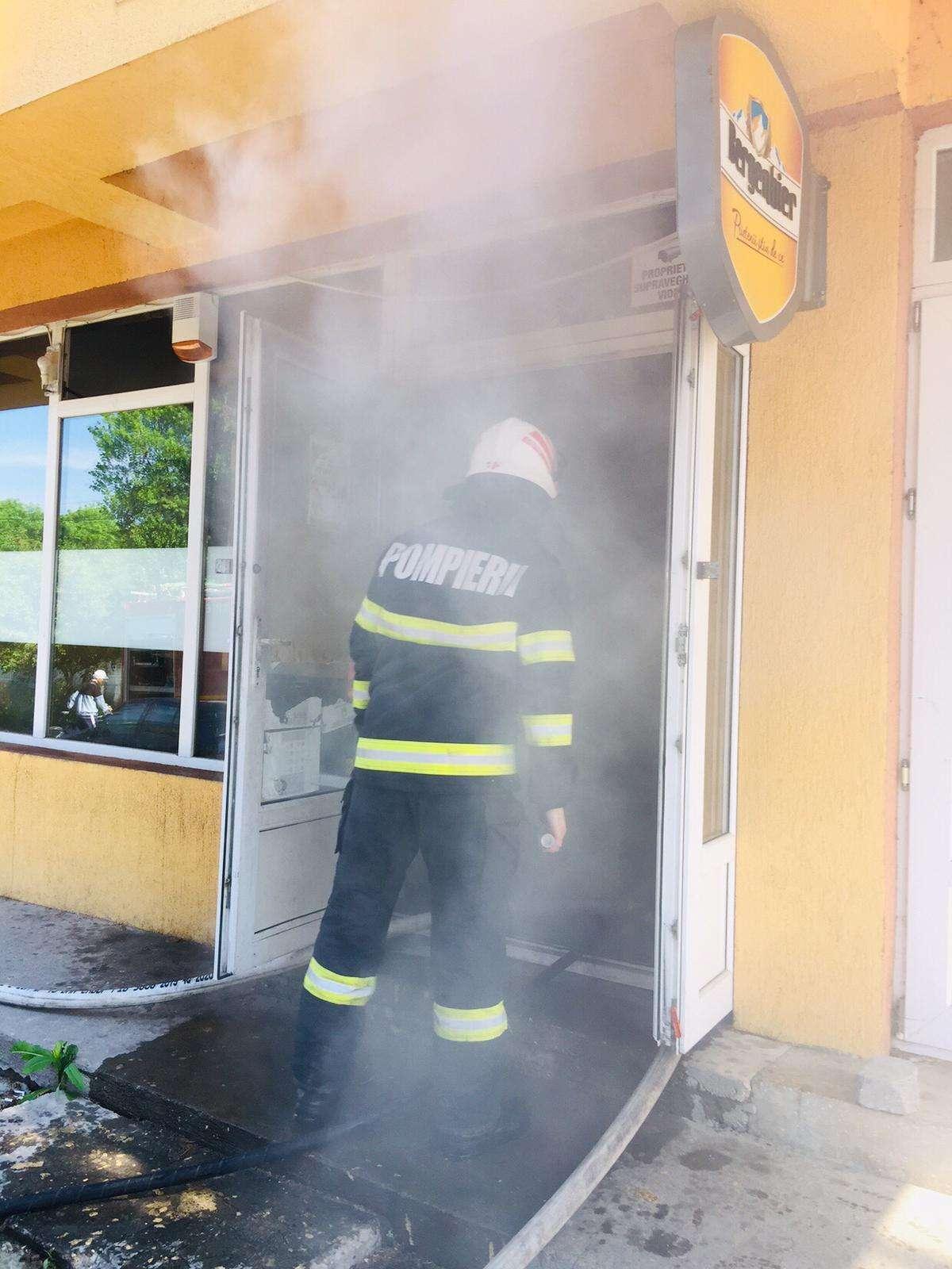 Un receiver TV  a produs un incendiu la un restaurant din Giurgiu
